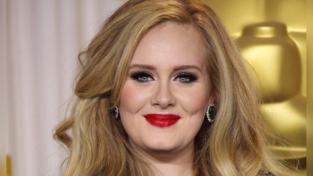 Fans sind begeistert: Adele lässt ihren neuen Song erklingen
