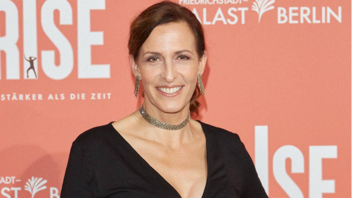 GZSZ-Star Ulrike Frank: Sie begeistert mit privaten Kollegen-Selfies die Fans