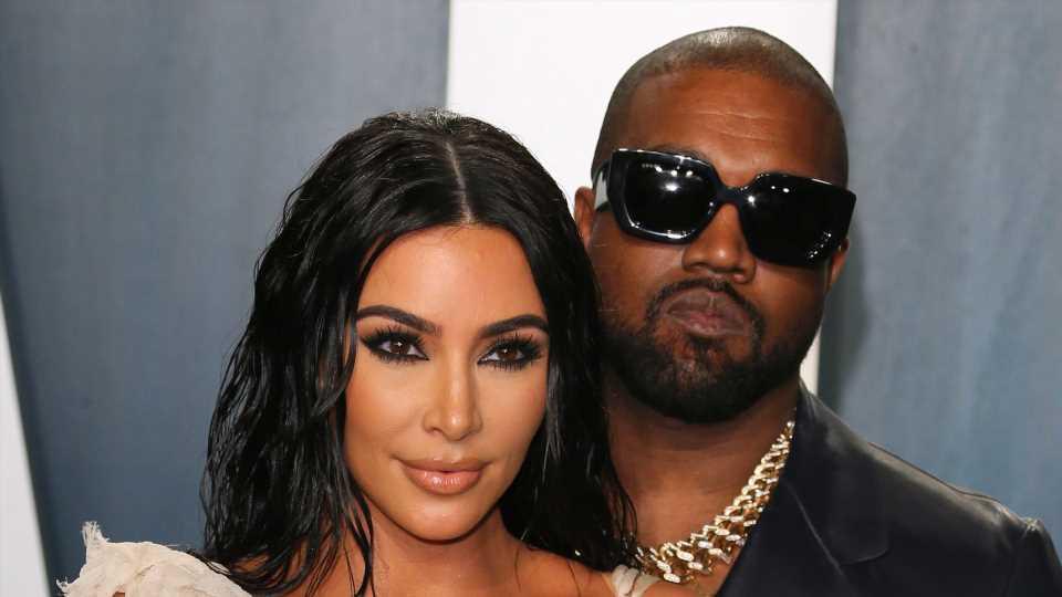 Kim Kardashian witzelt über wahren Grund für Kanye-Trennung