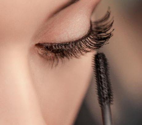 Mascara: Diese 6-Euro-Wimperntusche stärkt die Wimpern wie ein Serum