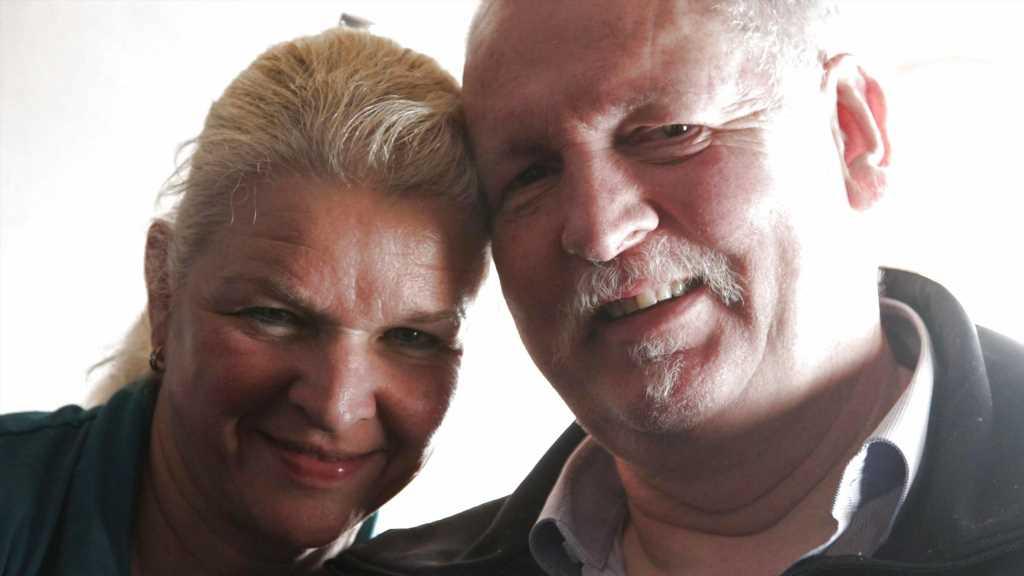 Nach Tod von Tamme Hanken (†56): So geht es seiner Witwe Carmen heute