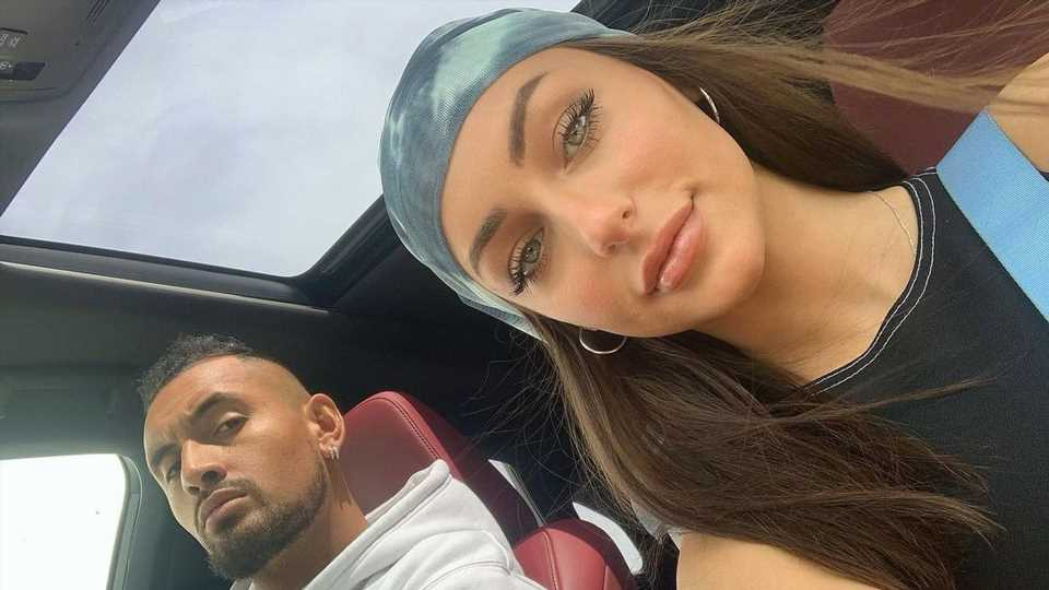 Nicht Freundin: Nick Kyrgios teilt Nacktpic mit anderer Frau