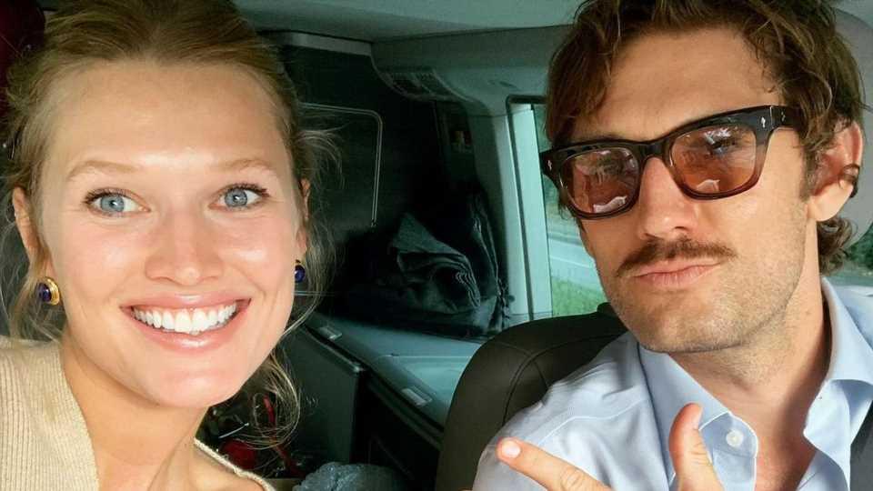 Zum ersten Hochzeitstag: Toni Garrn postet private Fotoreihe